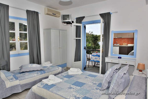 Skopelos studios apartments rooms