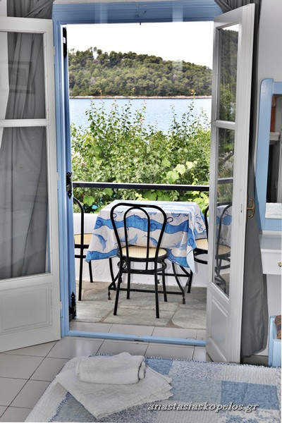 rooms skopelos