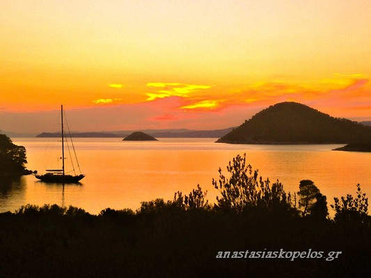 skopelos vacation diakopes accomodation